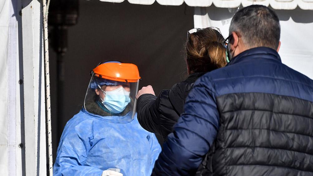 Murieron135 personas y se detectaron 10.356 nuevos contagios en las últimas 24 horas