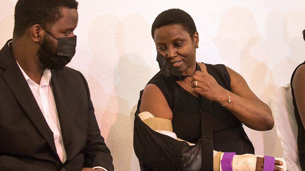Martine Etthiene regresó junto a sus hijos a Estados Unidos para someterse a una operación en el brazo.