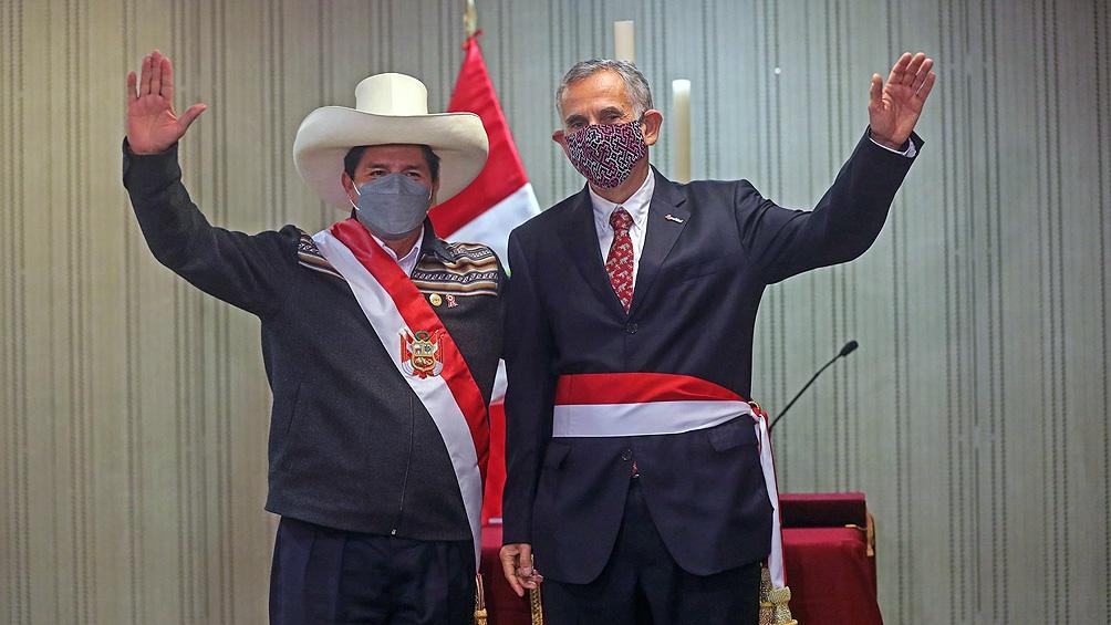 Presidente de Perú, Pedro Castillo y ministro de Economía, Pedro Francke. Foto: Agencia Andina.