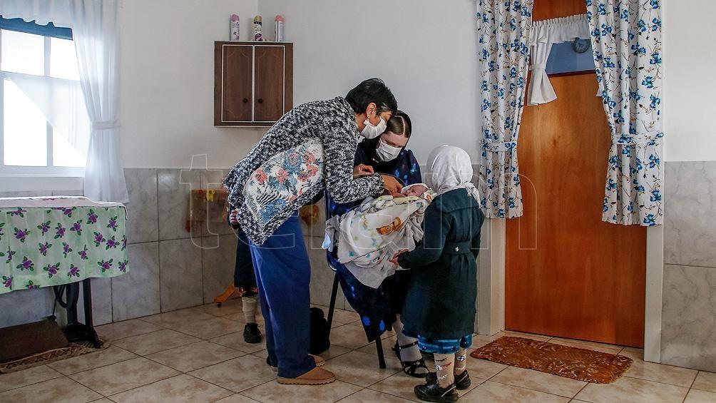 Mónica tiene 55 años y es la enfermera de la comunidad desde hace unos 15 años.