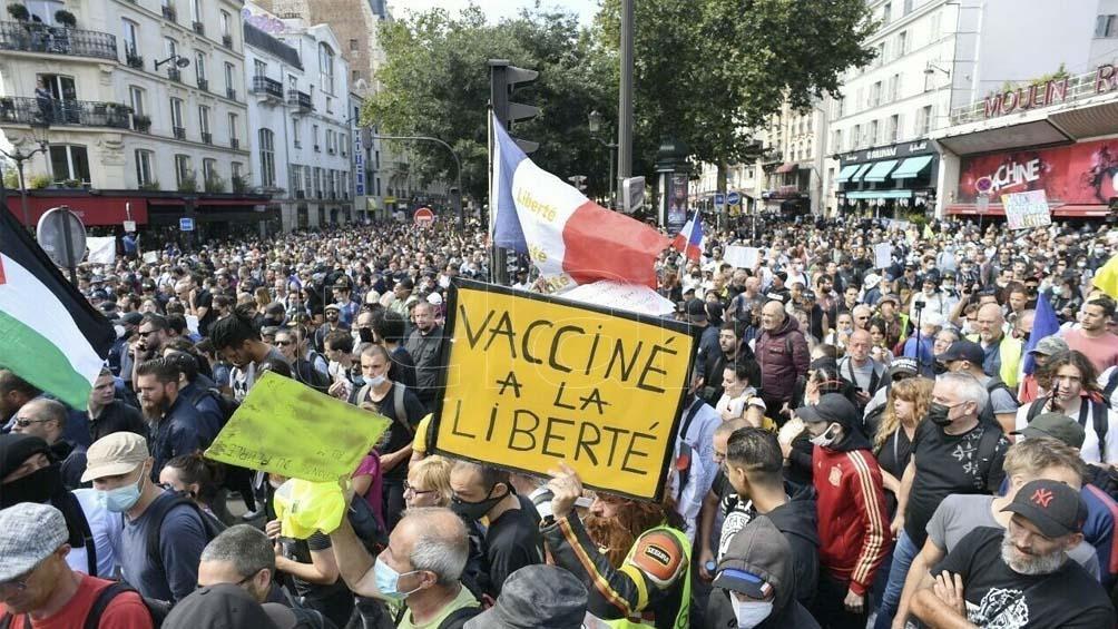 Más de 200 mil personas en protestas contra el certificado de vacunación