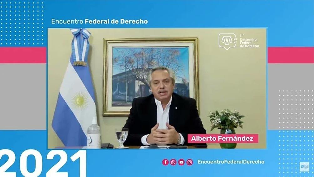 """""""Las corporaciones y los intereses económicos influyen en la Justicia"""" señaló Alberto Fernández."""