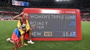 La venezolana Yulimar Rojas ganó la medalla dorada con nuevo récord en salto triple