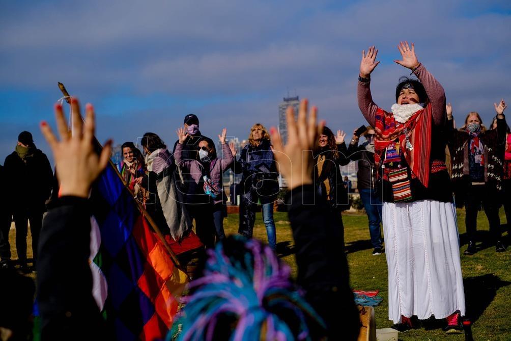La ceremonia se celebró en la Plazoleta de las Americas de Mar del Plata. Foto: Diego izquierdo