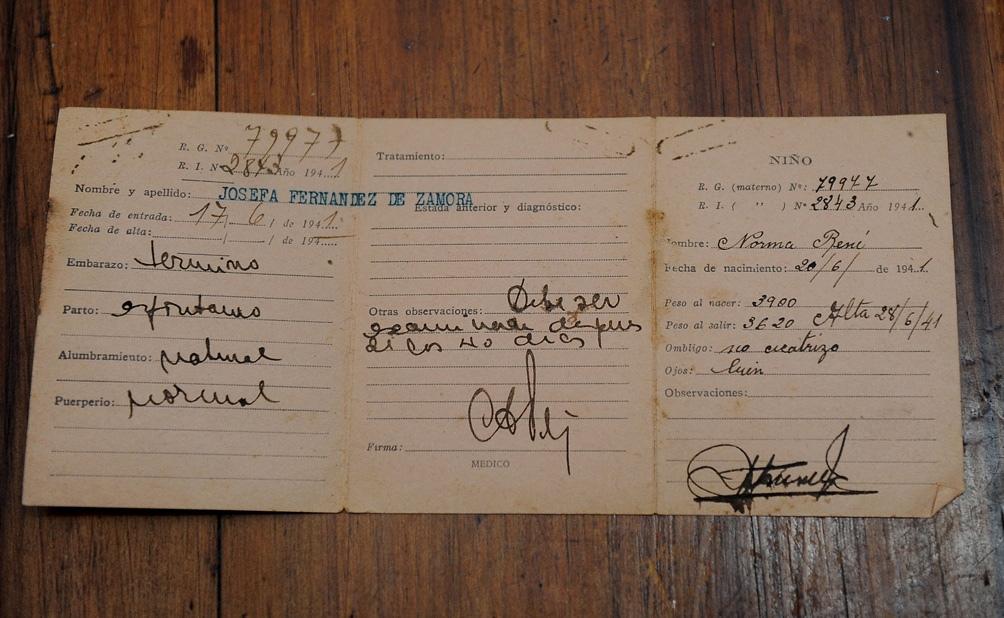La partida de nacimiento de Norma Zamora.