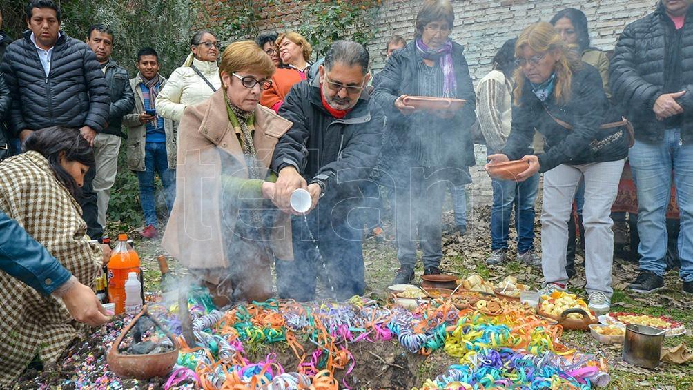 Los jujeños celebraron el Día de la Pachamama con actividades culturales y rituales ancestrales. Foto: Edgardo Valera.