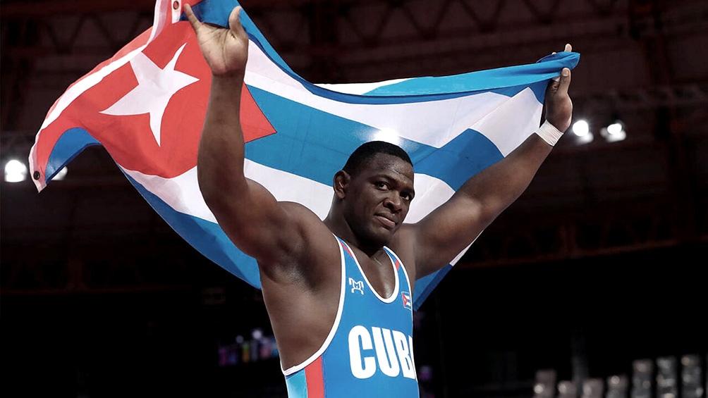 López se convirtió en el segundo atleta cubano en lograr cuatro oros