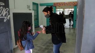 El gobierno bonaerense convocó a paritarias a los gremios docentes y estatales