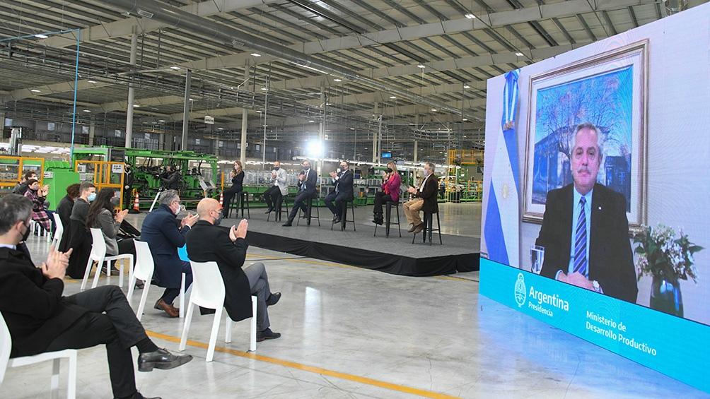 El Presidente participó de manera virtual del acto por el aislamiento preventivo que cumple tras su regreso de Perú.