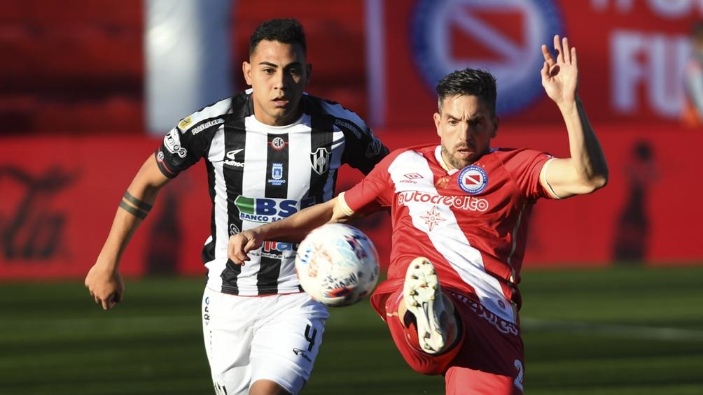 El partido se disputó en el estadio Diego Maradona. Foto: Maxi Luna