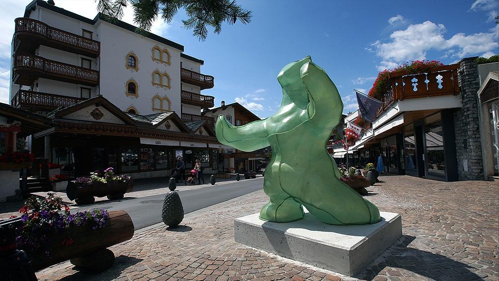 """""""Parcours Culturel"""", una muestra de arte al aire libre que toma cuerpo en la ciudad de Crans-Montana, Suiza."""