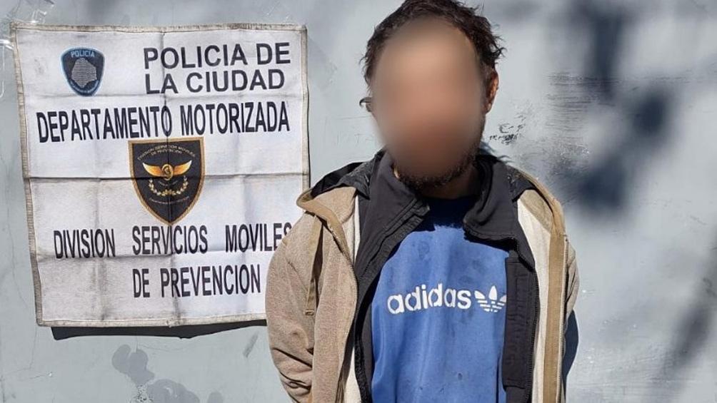 Los delincuentes fueron interceptados y detenidos en el cruce de Garay y Santiago del Estero (CABA).
