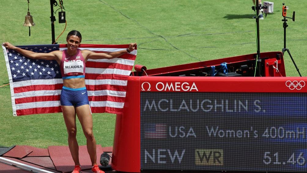 Sydney McLaughlin rompió su marca y se coronó en Tokio 2020 en 400 metros con vallas.