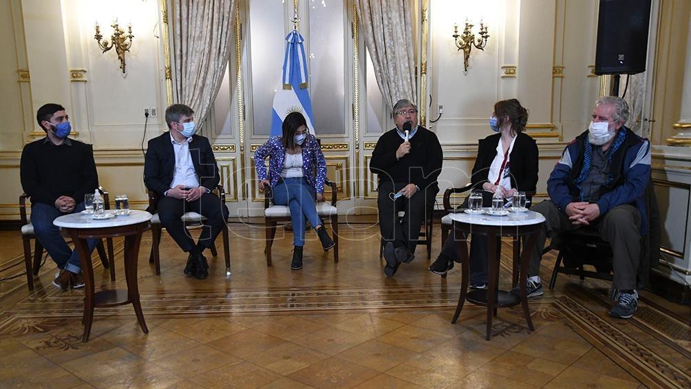 A través de videoconferencia asistieron las Promotoras de Salud, Mónica Bricher, Karen Balderrama, Cecilia Moye, Jannath Rocha y Liliana López. Foto: Raúl Ferrari.