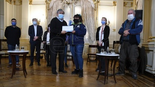 Entregaron certificaciones a promotores en vacunación