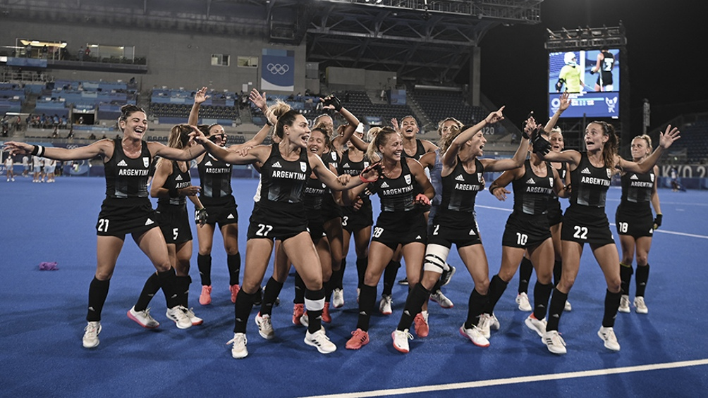 Las Leonas, medalla de plata en estos Juegos Olímpicos Tokio 2020. Foto: AFP