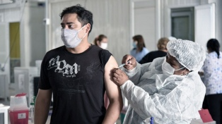"""Desde el Gobierno nacional recordaron que las vacunas son """"optativas"""" y rechazaron medidas punitivas"""