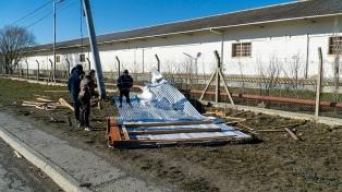 Un temporal de viento afecta a varias ciudades y provoca daños estructurales