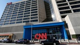 La CNN despidió a tres empleados por ir a trabajar sin estar vacunados