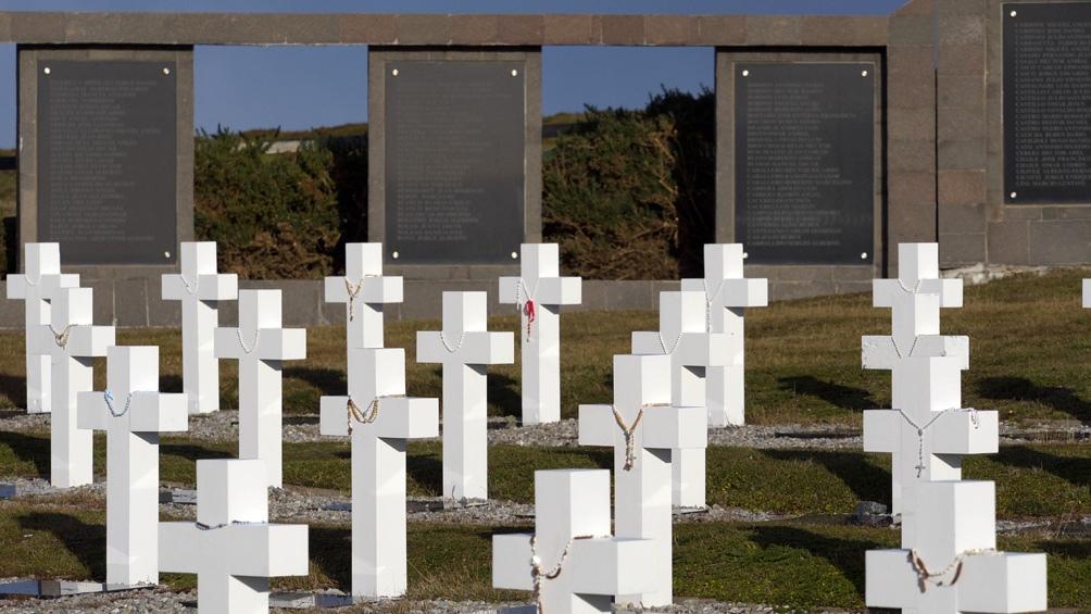 A diferencia del trabajo realizado durante los meses de junio y julio de 2017, cuando fueron exhumados 122 cuerpos de 121 sepulturas con la denominación