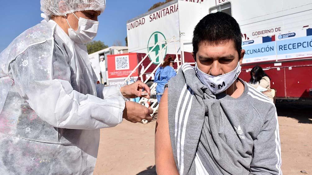 """""""Todo el mundo se tiene que vacunar, así se acaba esta pandemia que ya ha matado a mucha gente"""". Foto: Paratore Rubén"""