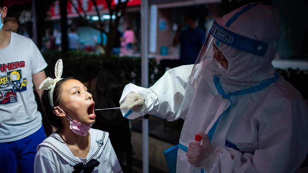 Testeos en Wuhan. Foto: Xinhua.