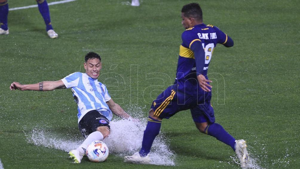 Boca y Argentinos jugaron en La Bombonera en un diluvio (Foto: Maximiliano Luna).