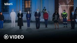 Sebastián Piñera rindió homenaje a las más de 36 mil víctimas y decretó el duelo nacional
