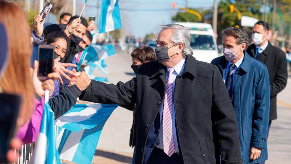 En el acto, el Presidente estará acompañado del gobernador local Raúl Jalil.
