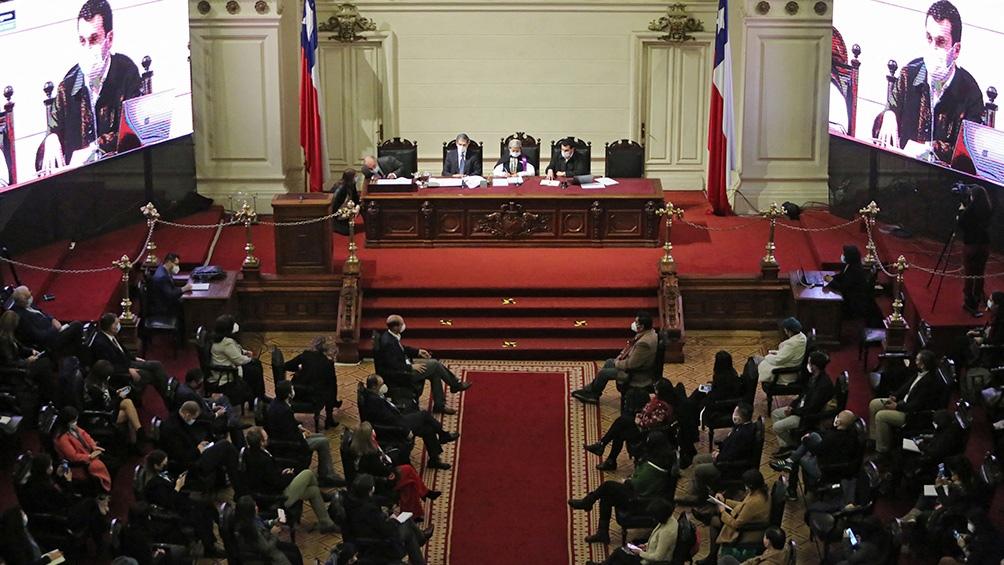 La Constituyente trabaja en la elaboración de una nueva Constitución. Foto: AFP.