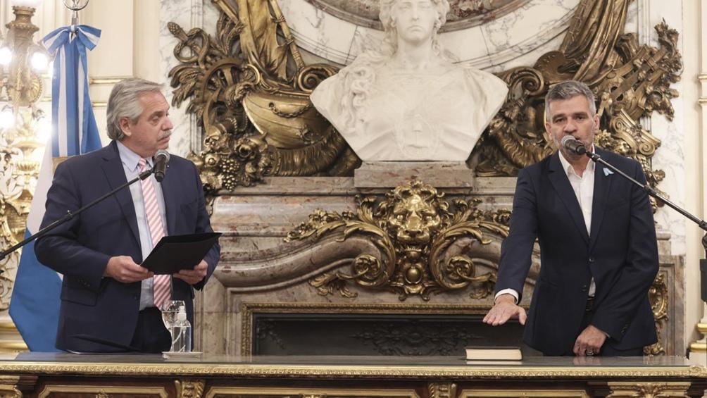Juan Zabaleta jura como nuevo ministro de Desarrollo Social. Foto: Presidencia.