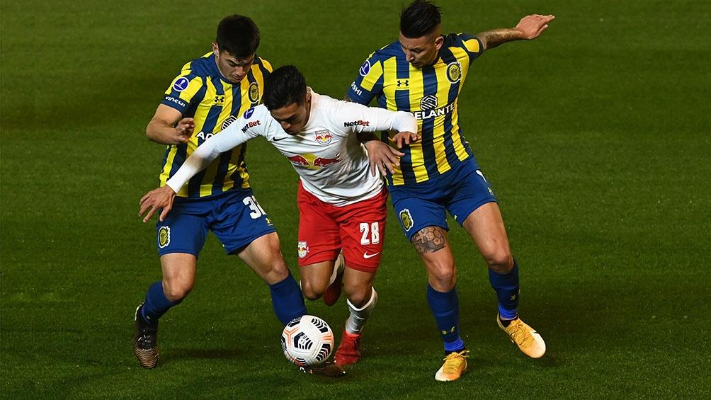 Un partido repleto de goles.(Fotos: Sebastián Granata).
