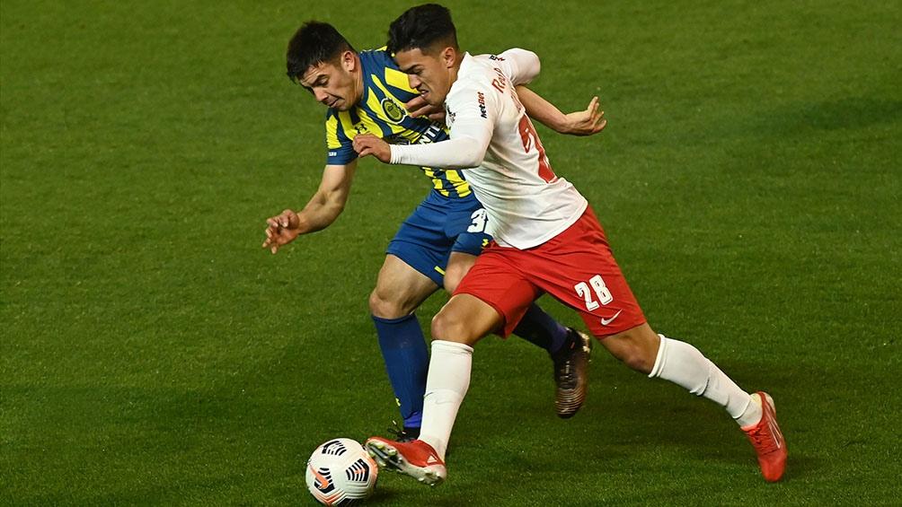 Central lo perdía 3 a 1 y en siete minutos se puso 3 a 3 pero los brasileños volvieron a convertir.(Fotos: Sebastián Granata).