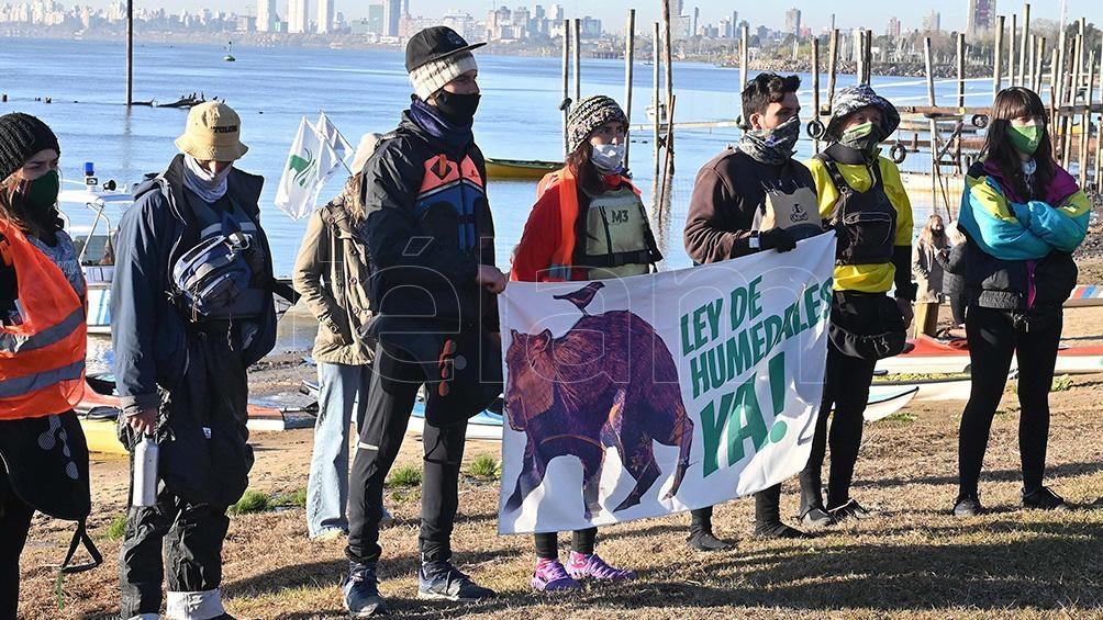 """Impulsan esta simbólica protesta """"en medio de una grave situación socioambiental"""". Foto: Sebastián Granata"""