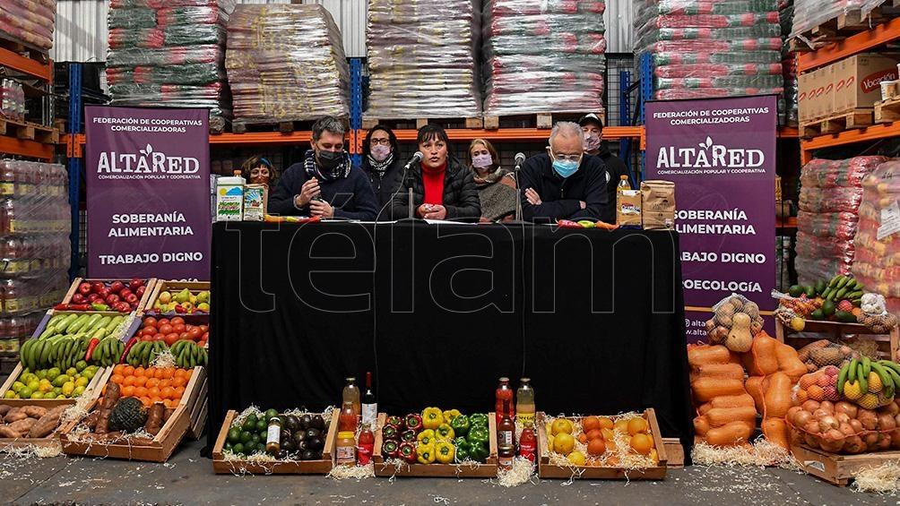 En la actualidad, Alta Red distribuye más de 50 toneladas de alimentos mensuales y se vincula con doce provincias. Foto: Alfredo Luna