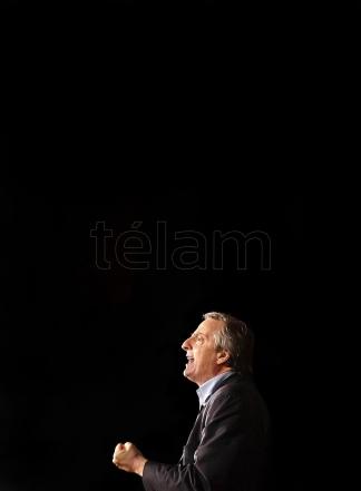 Nestor Kirchner entre el pasado y, el presente (Foto: Carlos Luna)