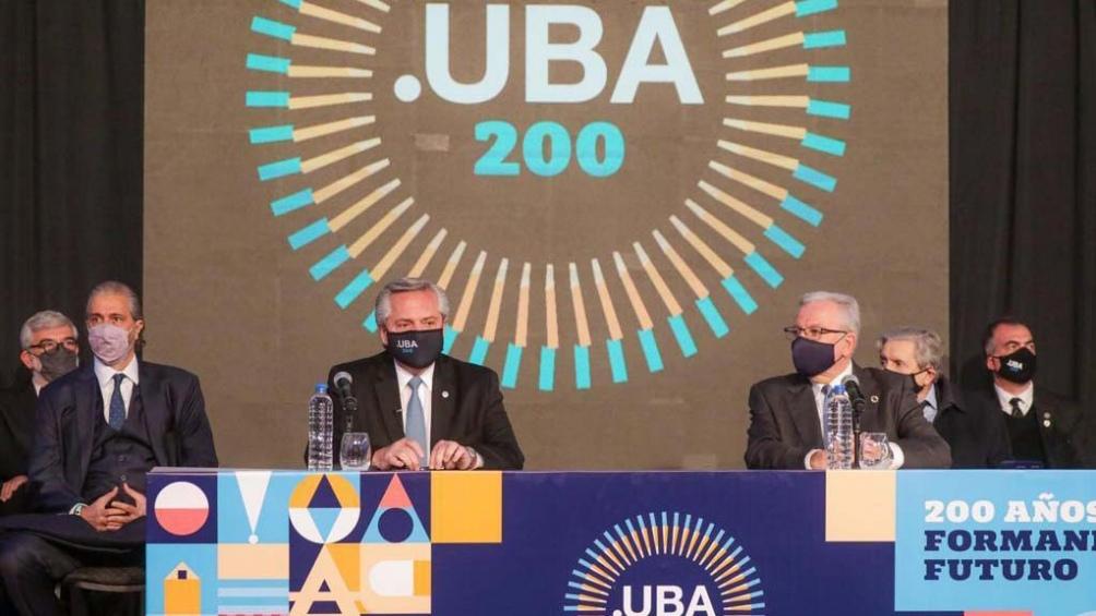 El presidente Alberto Fernández participó  de la conmemoración por el bicentenario de la UBA. Foto: Presidencia.