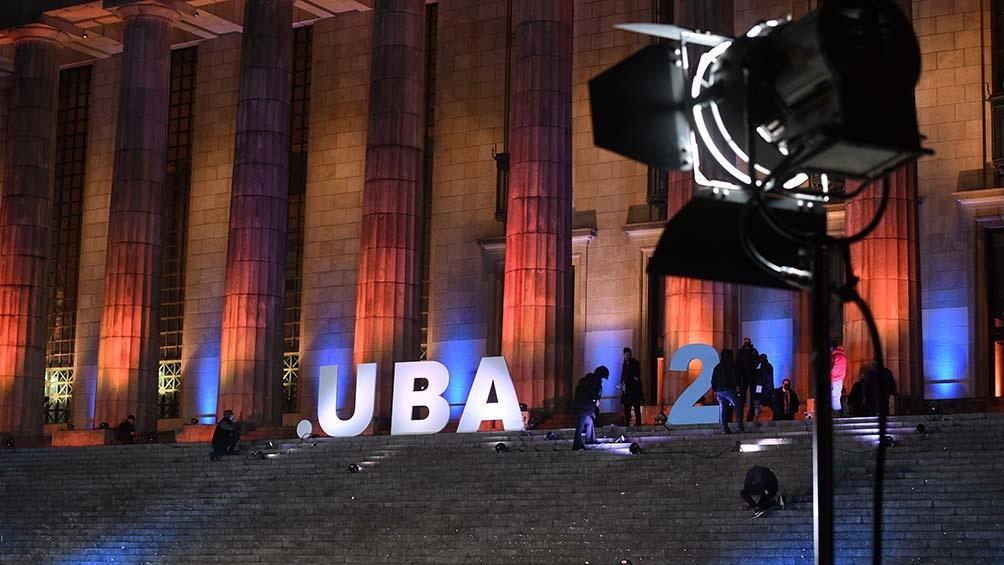 La Universidad Nacional de Buenos Aires (UBA) rindió homenaje a 200 personalidades que egresaron o forman parte de su equipo.