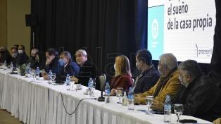 Ferraresi firmó convenios habitacionales con municipios y gremios