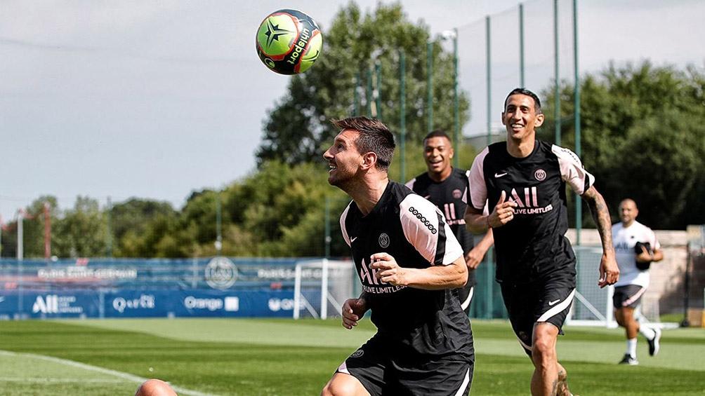 Messi durante el entrenamiento del PSG