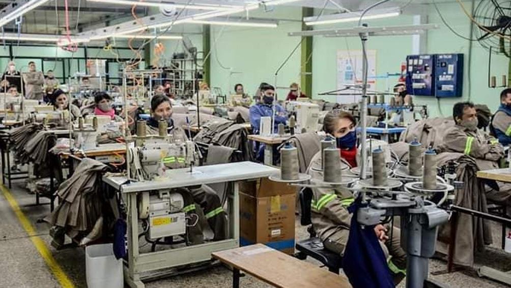 La empresa textil Confecat S.A., el mayor empleador privado de la provincia. Foto: Facebook Municipalidad de Famatina.