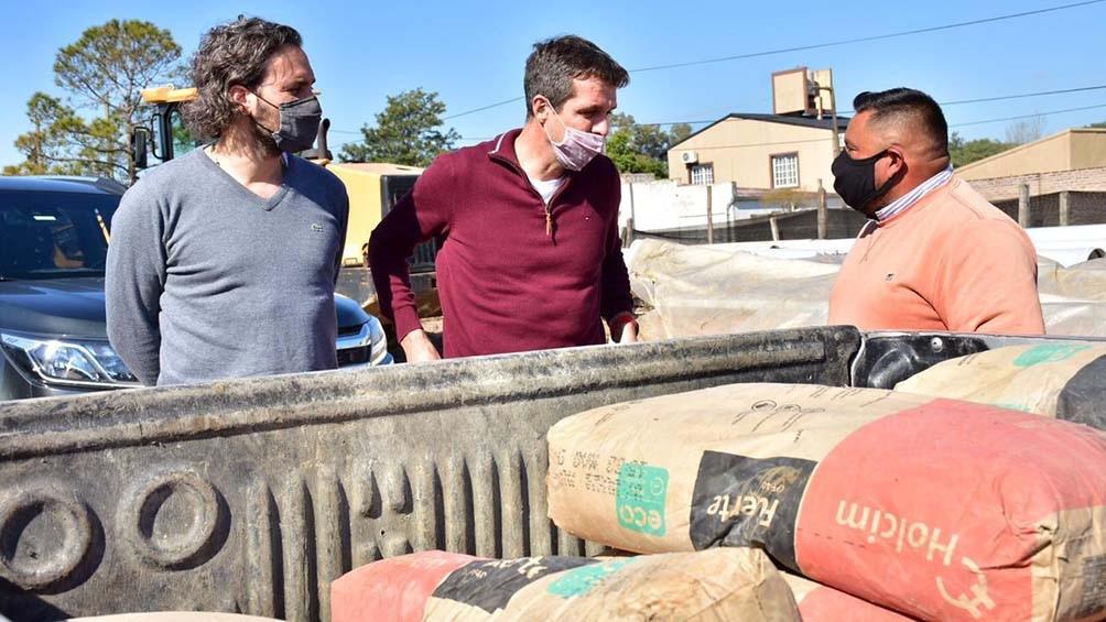 Cafiero recorrió junto al precandidato a diputado nacional por Entre Ríos, Enrique Cresto, las obras de agua y saneamiento que se ejecutan en Concordia a través del Ente Nacional de Obras Hídricas de Saneamiento.
