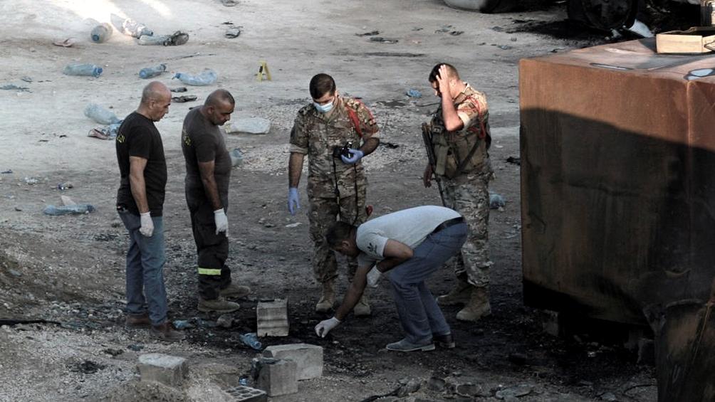 Al menos 28 personas murieron por la explosión de un camión cisterna en el  Líbano - Télam - Agencia Nacional de Noticias