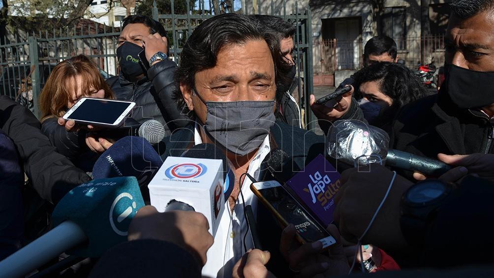 El gobernador salteño realizó declaraciones tas emitir su voto. foto: Luis Cornú