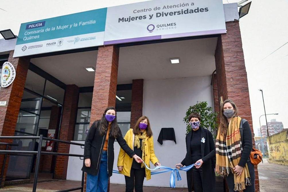 Crean un centro de atención a mujeres y diversidades en una comisaría de la Mujer