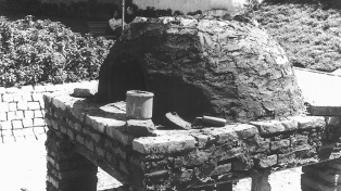 Polémica por un horno de barro instalado en la casa natal de Sarmiento
