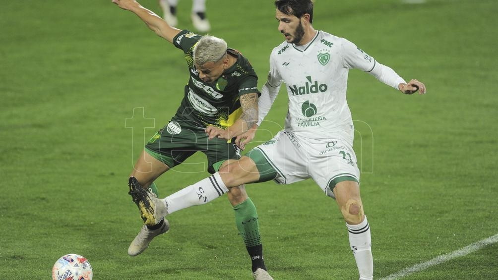 El partido se jugó en el estadio Norberto Tomaghello . // Foto: Osvaldo Fanton.