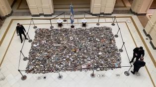 El Gobierno hará con las piedras dejadas un espacio en memoria de los fallecidos por Covid