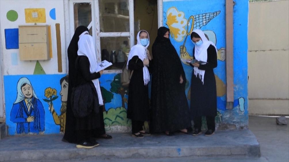 """""""Estamos preocupados por la situación en Afganistán y en particular para las mujeres"""", dijo la vocera del BM"""