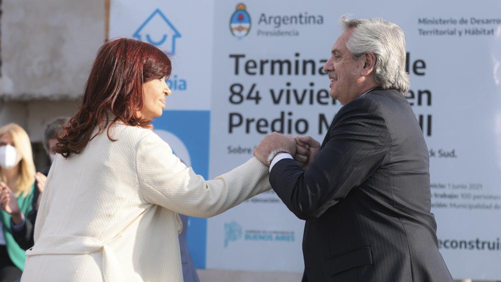 """Al estadio """"Diego Armando Maradona"""" llegarán legisladores nacionales y provinciales, funcionarios, intendentes, concejales y dirigentes del FdT bonaerense, entre otros asistentes."""